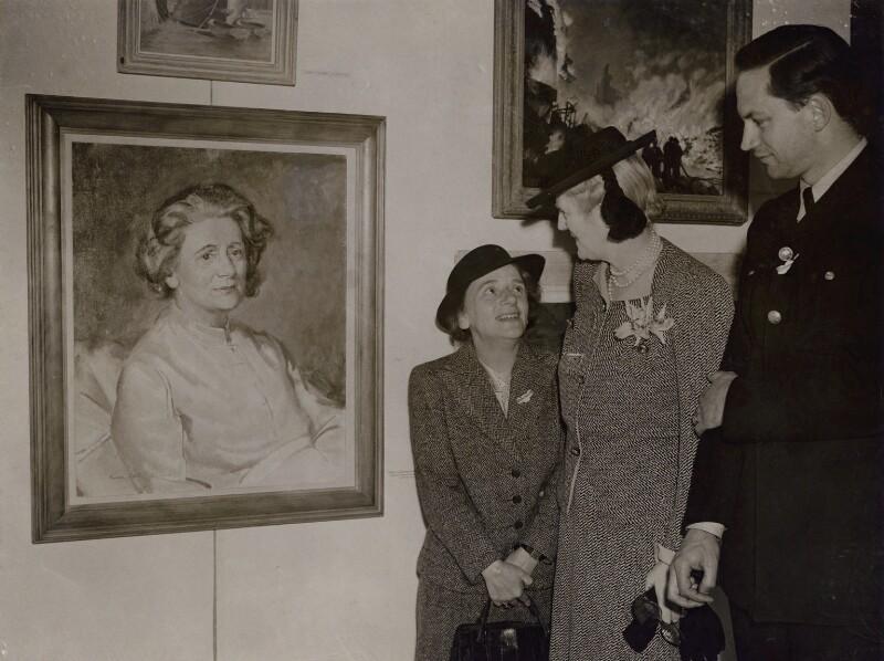 Ellen Cicely Wilkinson; Clementine Ogilvy Spencer-Churchill (née Hozier), Baroness Spencer-Churchill, by Keystone Press Agency Ltd, 19 May 1943 - NPG x184063 - © National Portrait Gallery, London