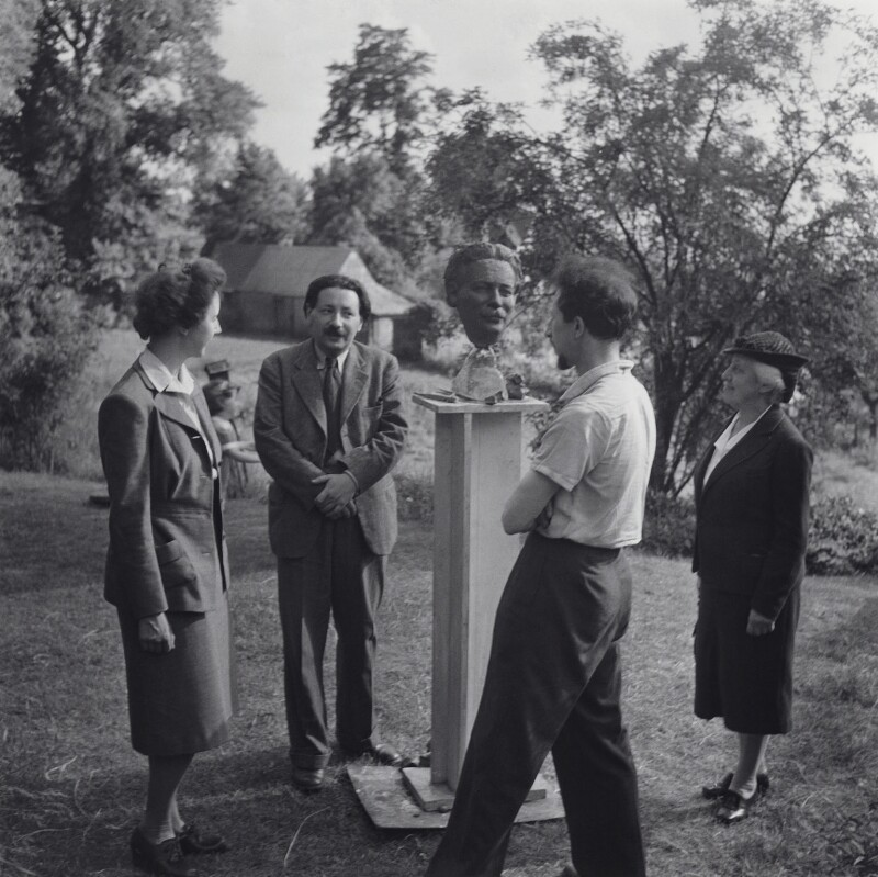 Patricia Frances Mary Fielden Nemon-Stuart (née Villiers-Stuart); Sir Ernst Chain; Oscar Nemon; Anna ('Nura') Sacharina, by Francis Goodman, 1944 - NPG x195041 - © National Portrait Gallery, London