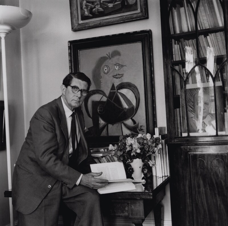 Roland Penrose, By Ida Kar, 1940s - NPG x137332 - © National Portrait Gallery, London