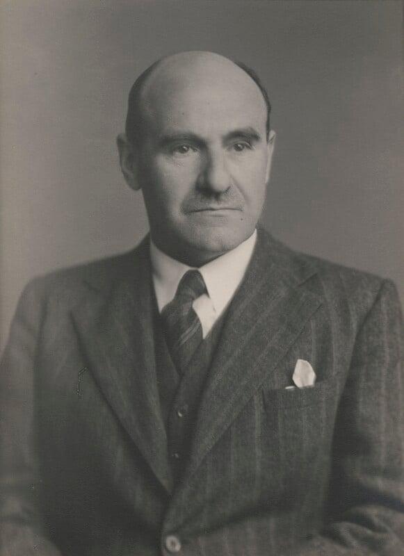 Dudley Maurice Newitt, by Walter Stoneman, April 1943 - NPG x186829 - © National Portrait Gallery, London