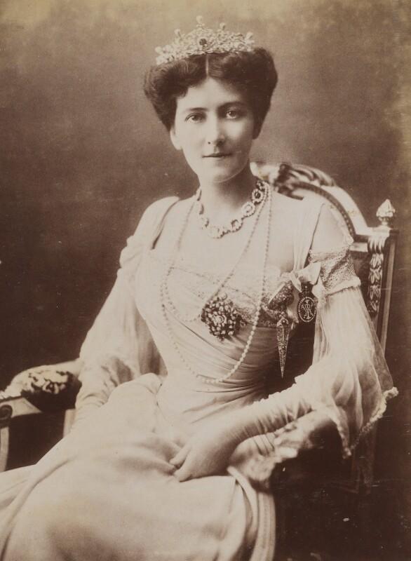 Mary Victoria (née Leiter), Lady Curzon of Kedleston, by Bourne & Shepherd, 1902 - NPG P1700(65b) - © National Portrait Gallery, London