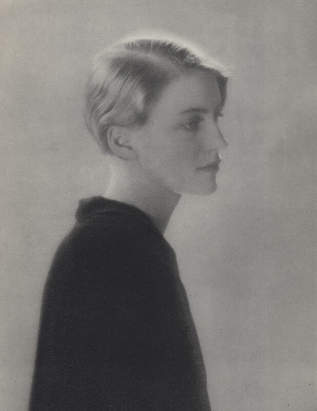 Lee Miller, by Man Ray (Emmanuel Radnitzky), 1929 - NPG x137575 - © Man Ray Trust/ADAGP, Paris and DACS, London 2017