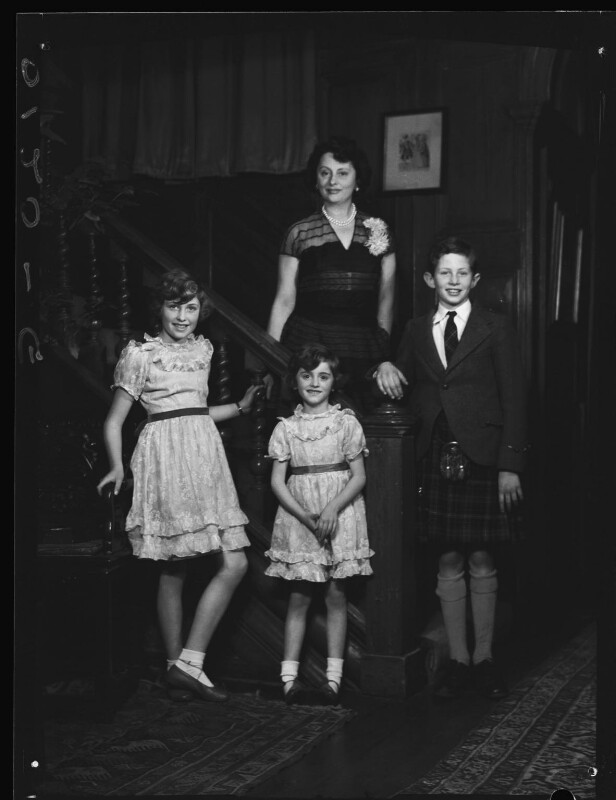 Lady Killearn with her children, by Navana Vandyk, 15 January 1953 - NPG x98770 - © National Portrait Gallery, London