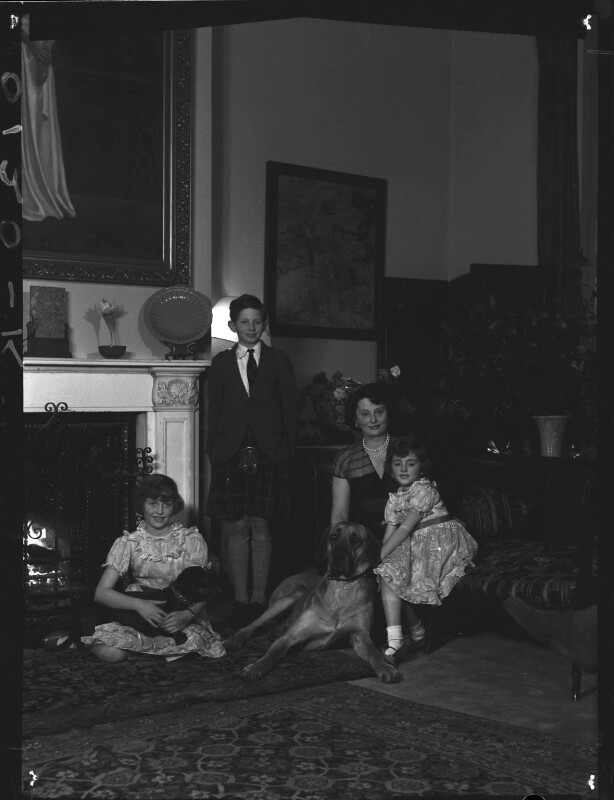 Lady Killearn with her children, by Navana Vandyk, 15 January 1953 - NPG x98773 - © National Portrait Gallery, London