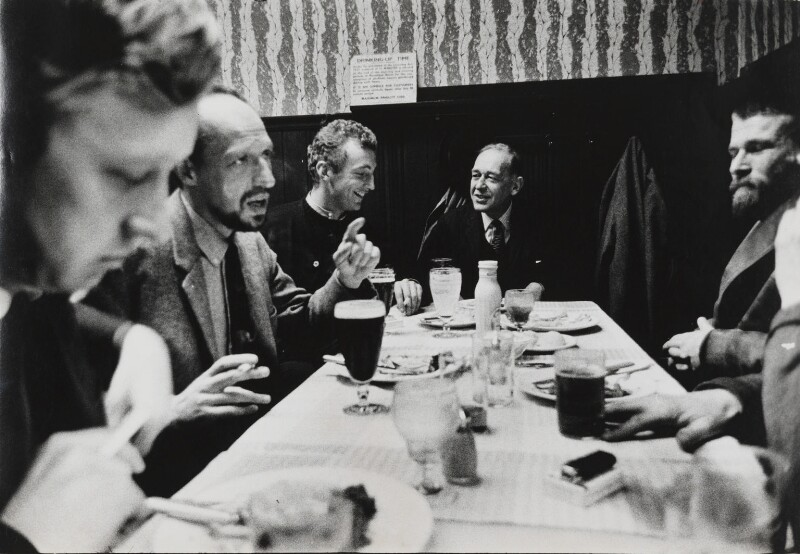 Camberwell School of Art (Anthony Fry, Henry Inlander, Patrick Procktor, Robert Medley, R.B. Kitaj), by Lord Snowdon, 30 September 1963 - NPG P1967 - © Armstrong Jones