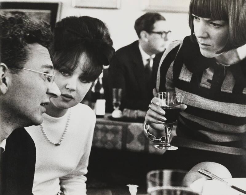 'The Book Party' (Theo Crosby; John Davan Sainsbury, Baron Sainsbury of Preston Candover; Dame Mary Quant; possibly Wendy Whiteley), by Lord Snowdon, 16 April 1964 - NPG P1969 - © Armstrong Jones