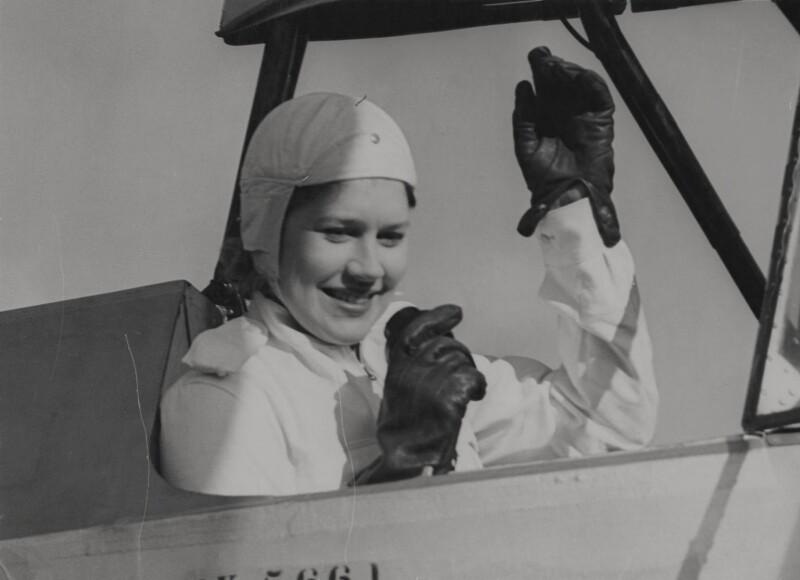 Jasmine Bligh, by Barratt's Photo Press Ltd, 1939 - NPG x182353 - © National Portrait Gallery, London