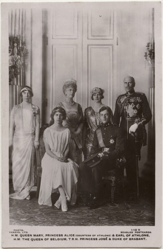 Royal group, by Vandyk, published by  J. Beagles & Co, 1920s - NPG x197277 - © National Portrait Gallery, London