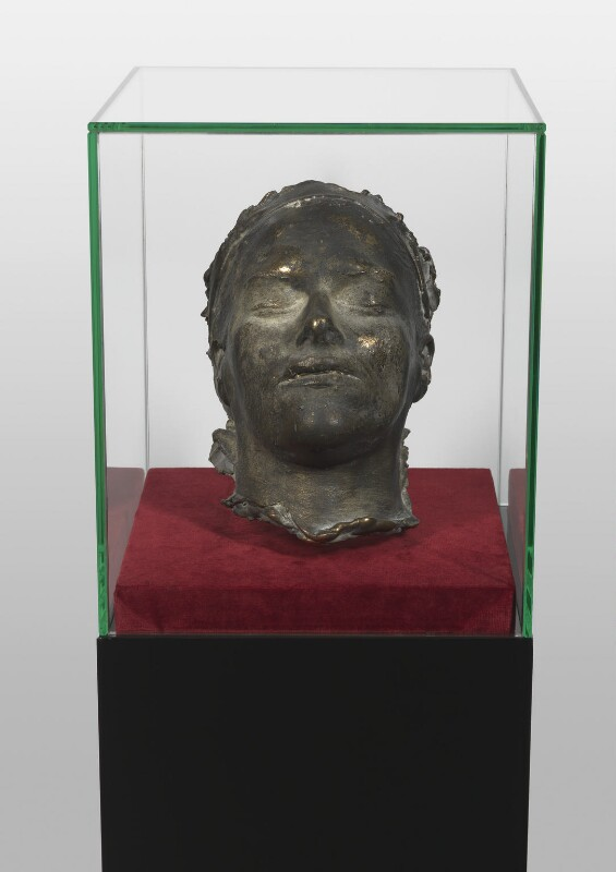 Death mask of Tracey Emin by Tracey Emin