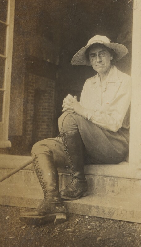 Pippa Strachey, by Ray Strachey, Summer 1916 - NPG Ax160939 - © National Portrait Gallery, London