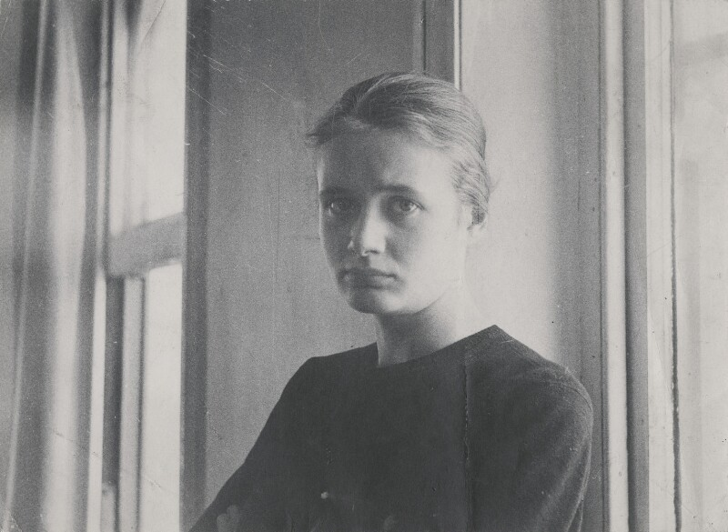 Julia Auerbach (née Wolstenholme), by David Cripps, 1959 - NPG x199720 - © David Cripps/ DACS, 2019