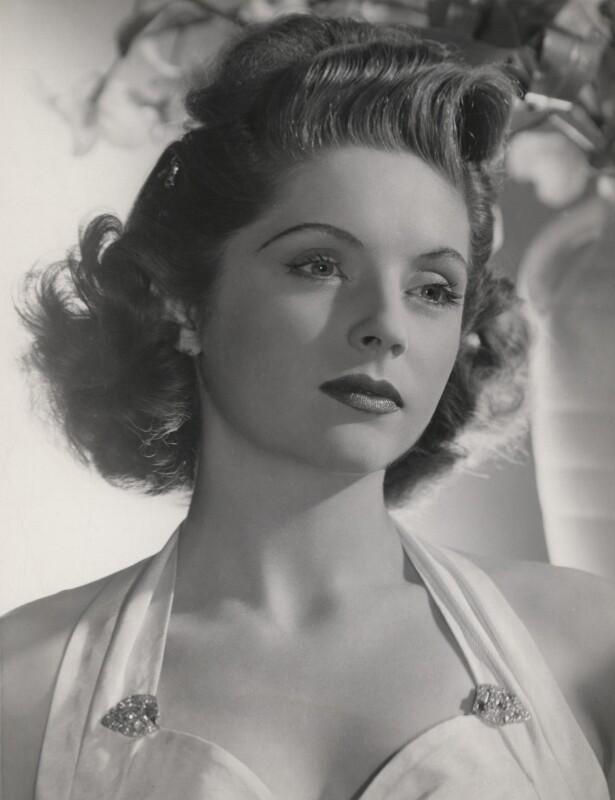 Dorothy-Hyson.jpg