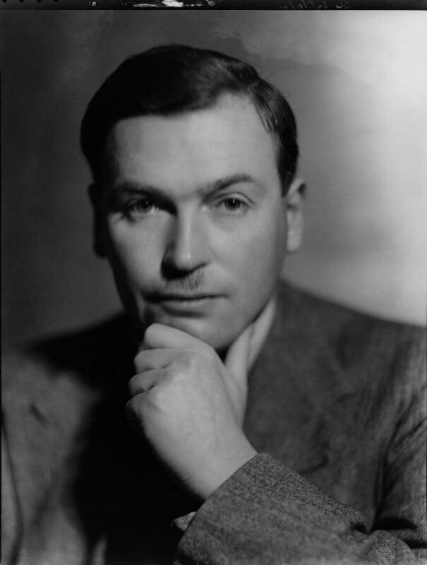 (Edward Godfree) Richard Aldington, by Howard Coster, 1931 - NPG x10306 - © National Portrait Gallery, London