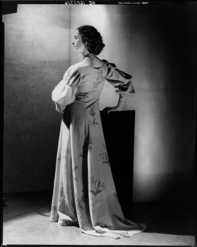 Dame Peggy Ashcroft as Juliet in 'Romeo and Juliet', by Howard Coster, 1935 - NPG x10329 - © National Portrait Gallery, London