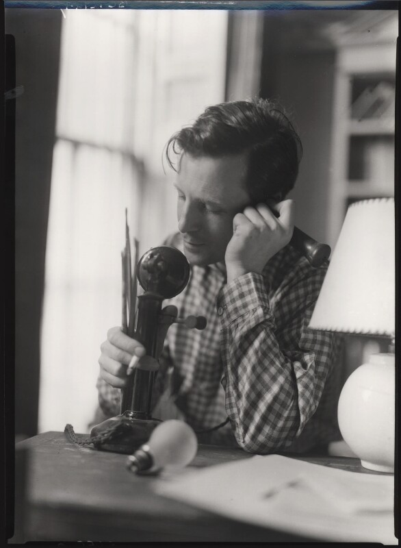 Rex Whistler, by Howard Coster, 1936 - NPG x12293 - © National Portrait Gallery, London