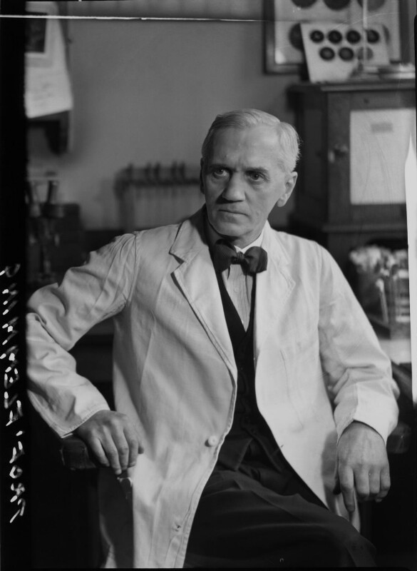 Alexander Fleming, by Howard Coster, 1944 - NPG x12322 - © National Portrait Gallery, London