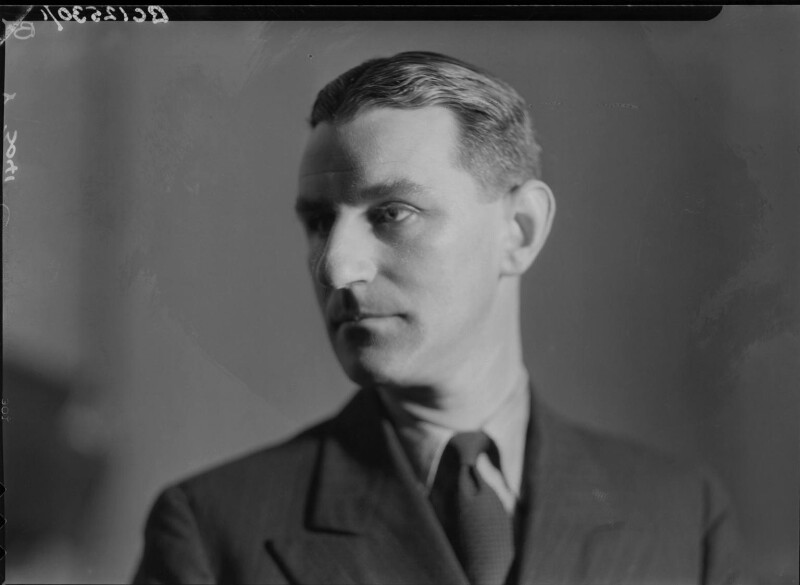 Maxwell Knight, by Howard Coster, 1934 - NPG x23368 - © National Portrait Gallery, London
