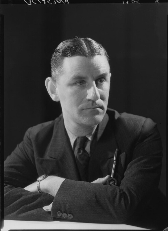 Maxwell Knight, by Howard Coster, 1934 - NPG x23375 - © National Portrait Gallery, London