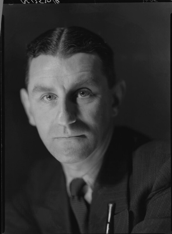 Maxwell Knight, by Howard Coster, 1934 - NPG x23376 - © National Portrait Gallery, London