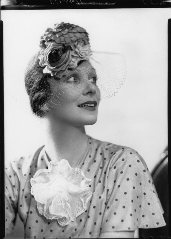 Doris Zinkeisen, by Howard Coster, 1936 - NPG x24301 - © National Portrait Gallery, London