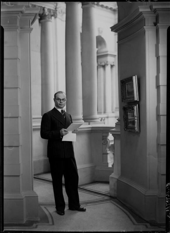 John Rothenstein, by Howard Coster, 1939 - NPG x24354 - © National Portrait Gallery, London