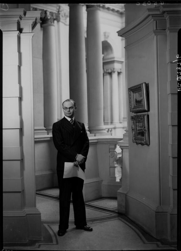 John Rothenstein, by Howard Coster, 1939 - NPG x24359 - © National Portrait Gallery, London