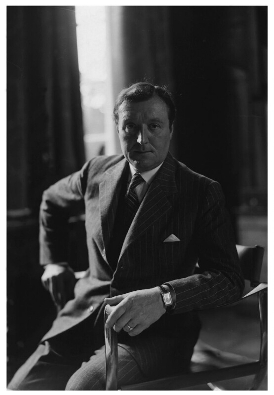 Gerald Leslie Brockhurst, by Howard Coster, 1937 - NPG x3163 - © National Portrait Gallery, London