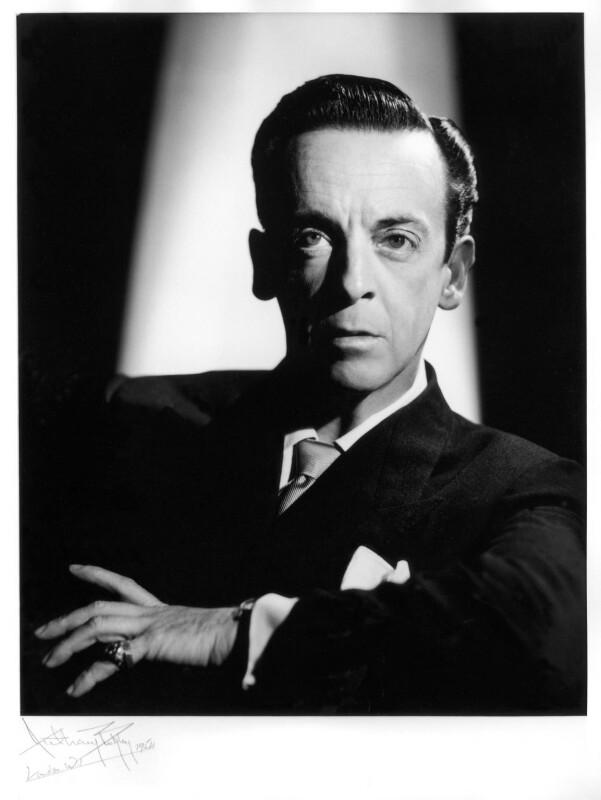 Sir Robert Murray Helpmann, by Anthony Buckley, 1954 - NPG x76095 - © estate of Kenneth Hughes / National Portrait Gallery, London