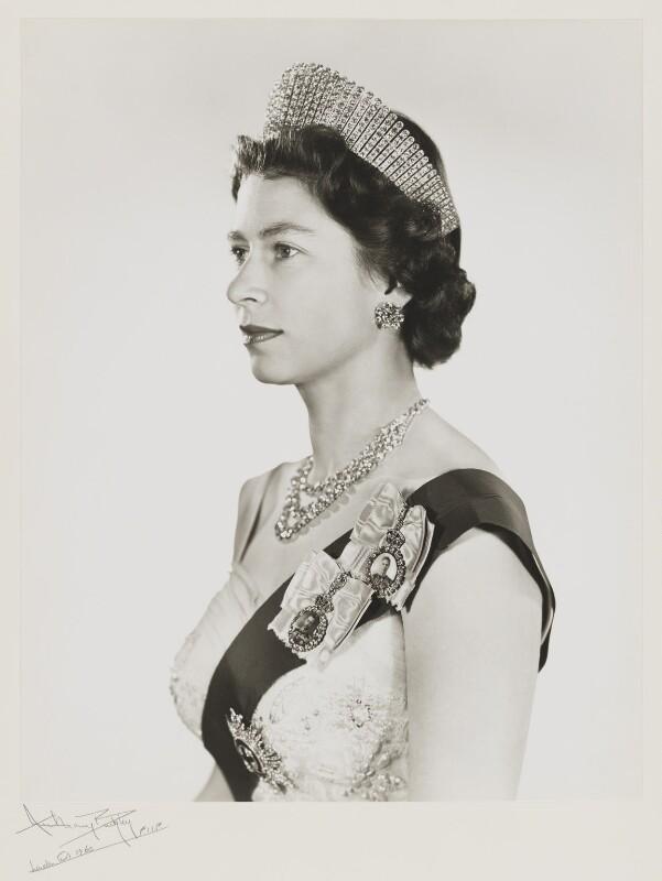 Queen Elizabeth II, by Anthony Buckley, 1960 - NPG x76292 - © estate of Kenneth Hughes / National Portrait Gallery, London