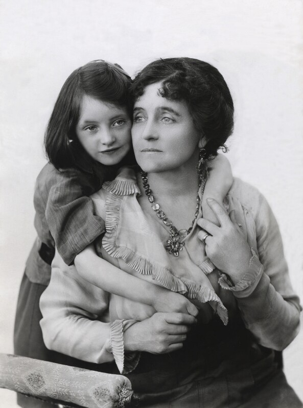 Eva Moore with her daughter Jill Esmond, by Bassano Ltd, 1914 - NPG x83392 - © National Portrait Gallery, London