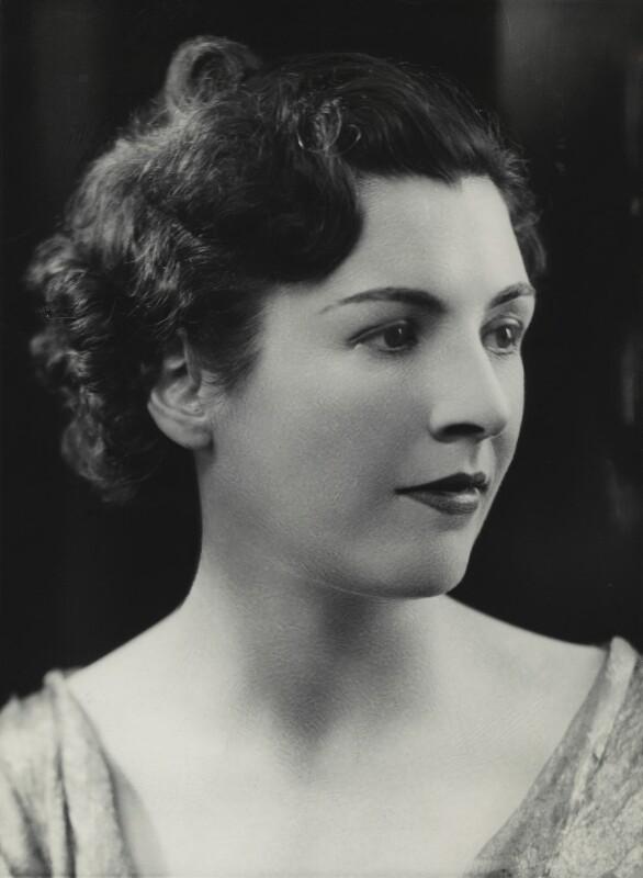 Hon. Edith Honor Earl, by Bassano Ltd, 18 October 1935 - NPG x84155 - © National Portrait Gallery, London