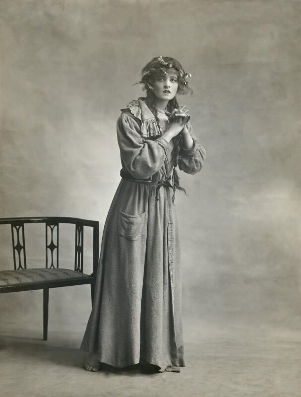 Betty Linley, by Bassano Ltd, 1914 - NPG x85152 - © National Portrait Gallery, London
