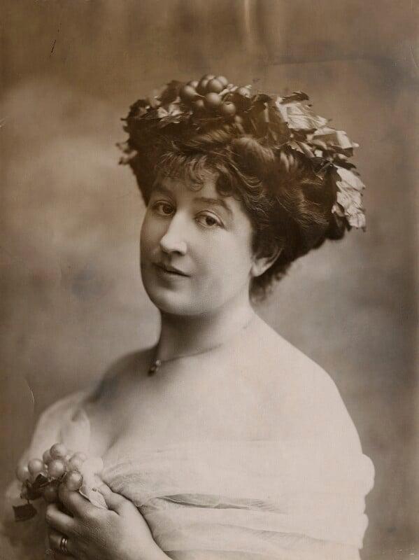 Priscilla Cecilia (née Moore), Countess Annesley, by Bassano Ltd, 13 August 1910 - NPG x85550 - © National Portrait Gallery, London