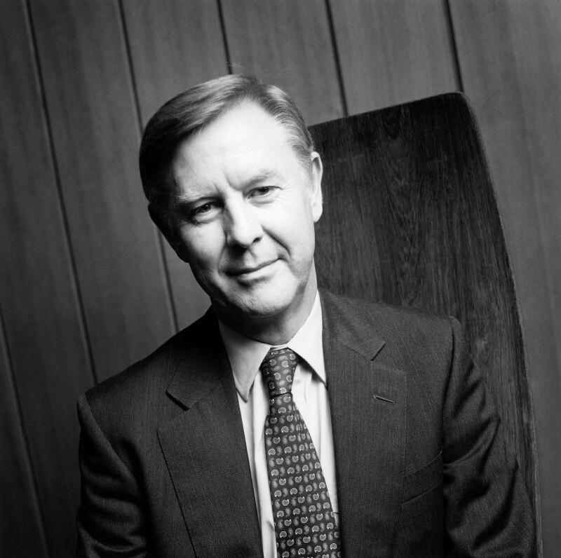 Sir Peter Michael Williams, by Norman McBeath, 22 October 1999 - NPG x88773 - © Norman McBeath / National Portrait Gallery, London