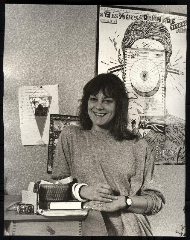 Sue Townsend, by Mark Gerson, 1988 - NPG x47116 - © Mark Gerson / National Portrait Gallery, London