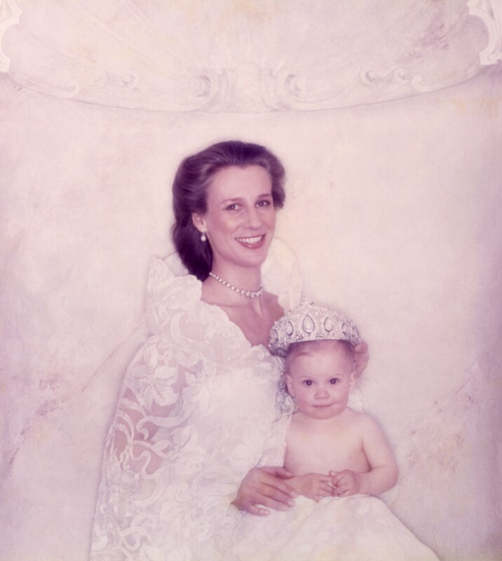 Birgitte Eva Van Deurs (née Henriksen), Duchess of Gloucester; Lady Rose Victoria Birgitte Louise Gilman (née Windsor), by Norman Parkinson, 1981 - NPG x29598 - © Norman Parkinson Archive