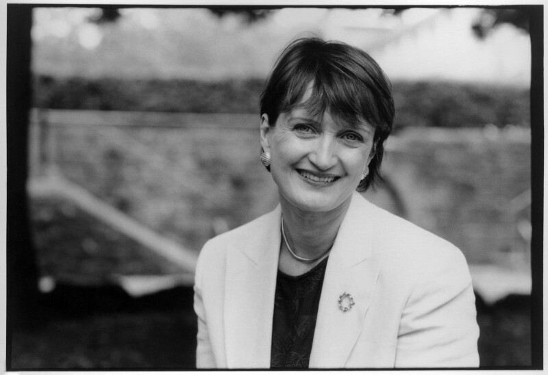 Tessa Jowell, by Victoria Carew Hunt, 1998 - NPG x88087 - © Victoria Carew Hunt / National Portrait Gallery, London