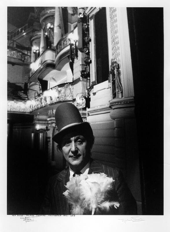 Ken Dodd, by Michael Ward, 1977 - NPG x88954 - © Michael Ward Archives / National Portrait Gallery, London