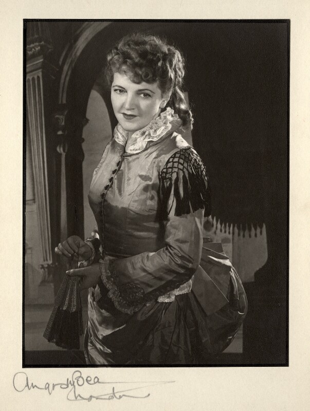 Winifred Radford, by Angus McBean, 1947 - NPG x88980 - Angus McBean Photograph. © Harvard Theatre Collection, Harvard University.