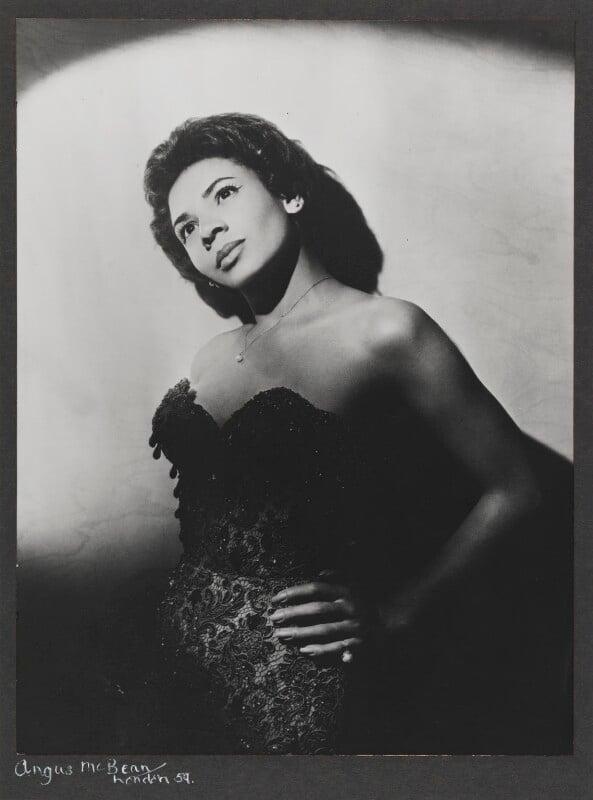Shirley Bassey, by Angus McBean, 1959 - NPG P885 - Angus McBean Photograph. © Harvard Theatre Collection, Harvard University.