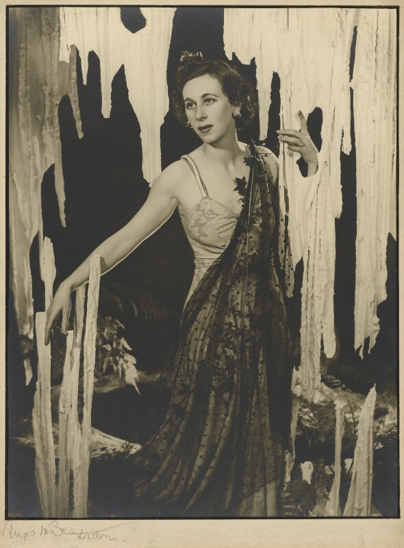 Gwen Ffrangcon-Davies, by Angus McBean, 1938 - NPG P893 - Angus McBean Photograph. © Harvard Theatre Collection, Harvard University.