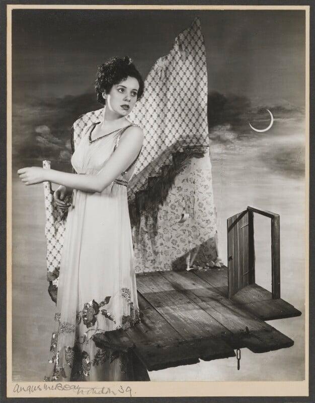 Elsa Lanchester, by Angus McBean, 1938 - NPG P921 - Angus McBean Photograph. © Harvard Theatre Collection, Harvard University.