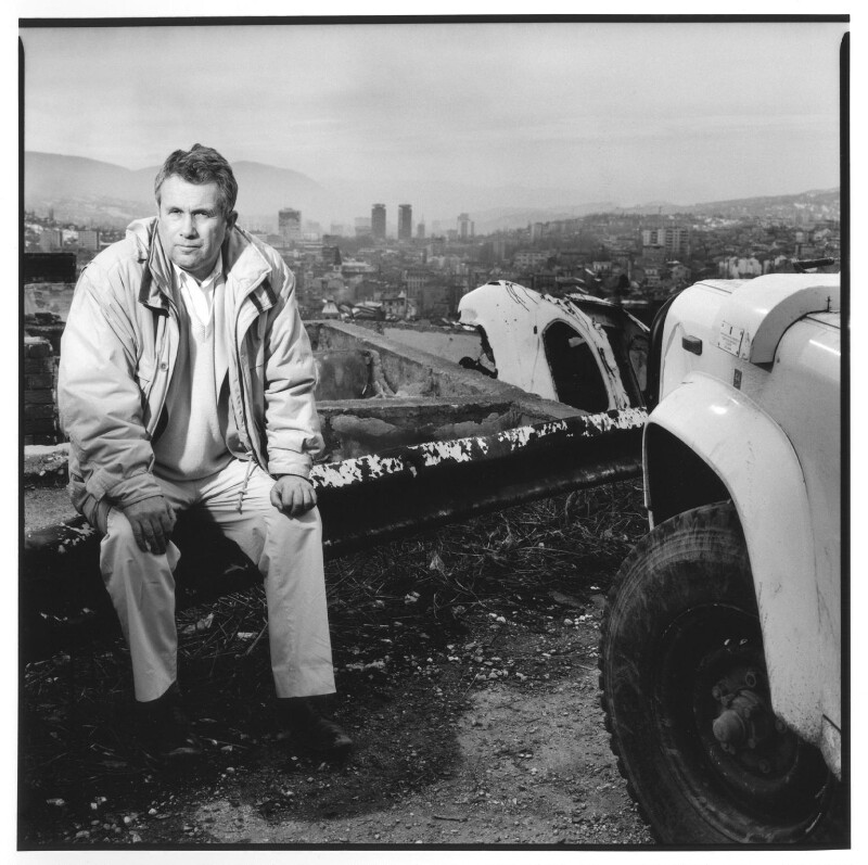 Martin Bell, by Shaun Bloodworth, January 1994 - NPG x125120 - © Shaun Bloodworth / National Portrait Gallery, London