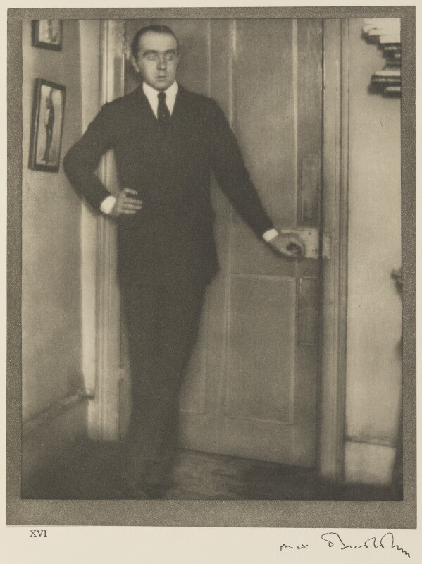 Sir Max Beerbohm, by Alvin Langdon Coburn, 15 January 1908 - NPG Ax7783 - © The Universal Order