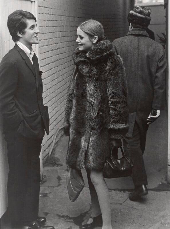 Justin de Villeneuve; Twiggy and an unknown man, by Lewis Morley, 1965 - NPG x125242 - © Lewis Morley Archive