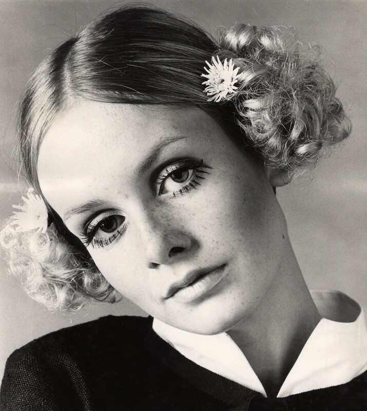 Twiggy, by Allan Ballard, late 1960s - NPG x125465 - © Allan Ballard / Scope Features