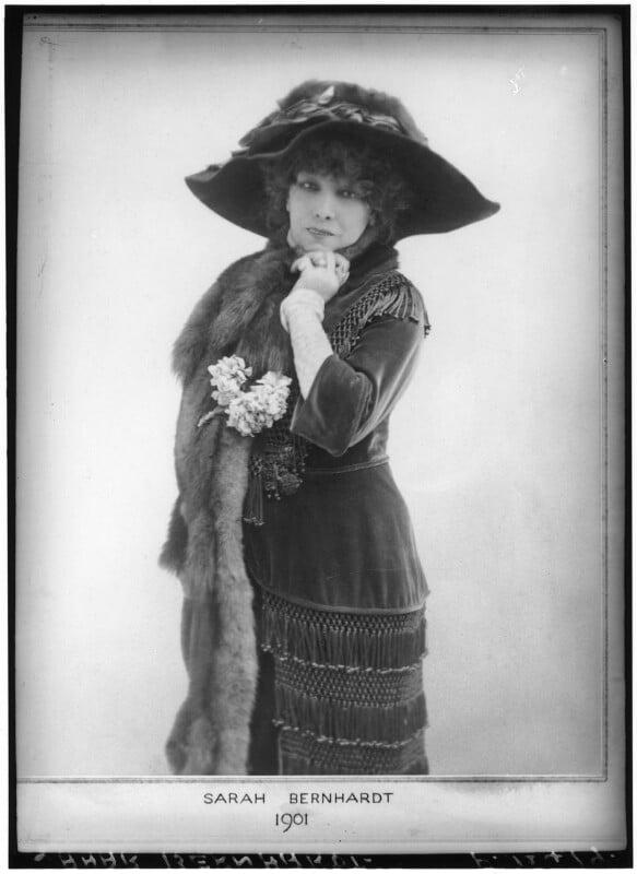 Sarah Bernhardt, by Elliott & Fry, 1901 - NPG x82278 - © National Portrait Gallery, London