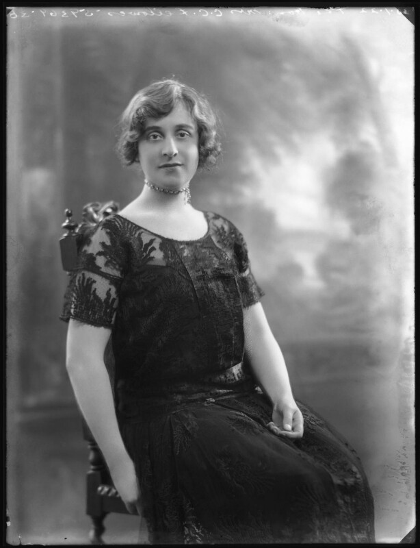 Lilah Assanti (née O'Brien), by Bassano Ltd, 30 January 1922 - NPG x37373 - © National Portrait Gallery, London