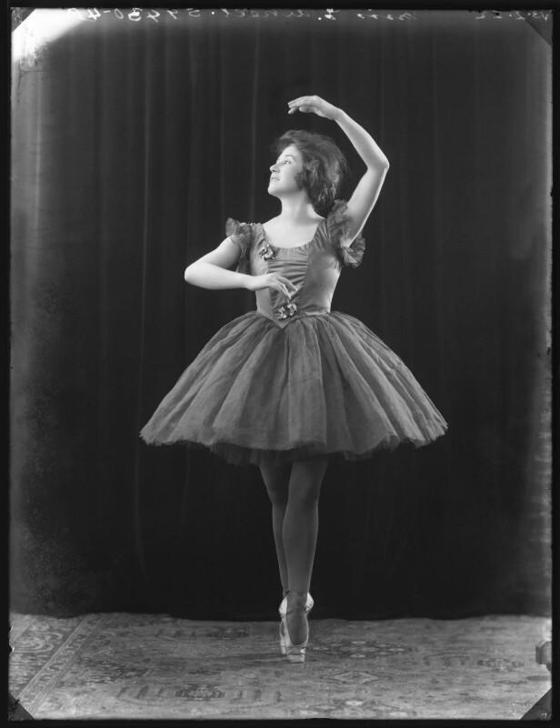 Elizabeth Arkell, by Bassano Ltd, 13 February 1922 - NPG x121316 - © National Portrait Gallery, London