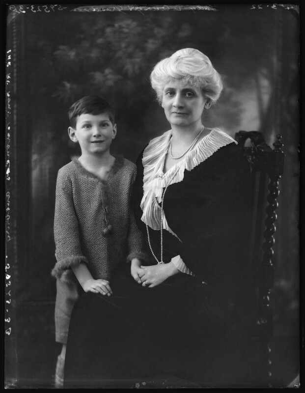 John Lubbock, 3rd Baron Avebury; Alice Augusta Laurentia Lane (née Fox-Pitt-Rivers), Lady Avebury, by Bassano Ltd, 4 March 1922 - NPG x121377 - © National Portrait Gallery, London